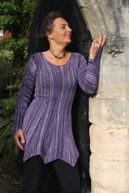 lilac and purple top in pure wool from spinning earth